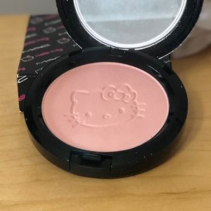 MAC Cosmetics Makeup - MAC Hello Kitty Beauty Powder in Pretty Baby